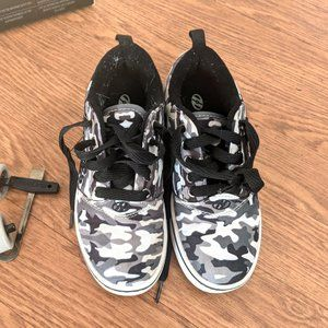 Heelys Boy's Pro 20 Prints Wheeled Shoes Sz 2Y
